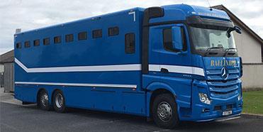 Fast-and-Reliable-horse-transport-trucks.jpg